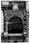 Чорна кам'яниця. Ринок, 4.<br />             Велике вікно крамниці у партеровому рівні.<br />             08.04.1999